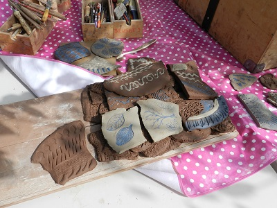 Maggot marks, blue slips and lots of Fragments! Update from our ceramics project